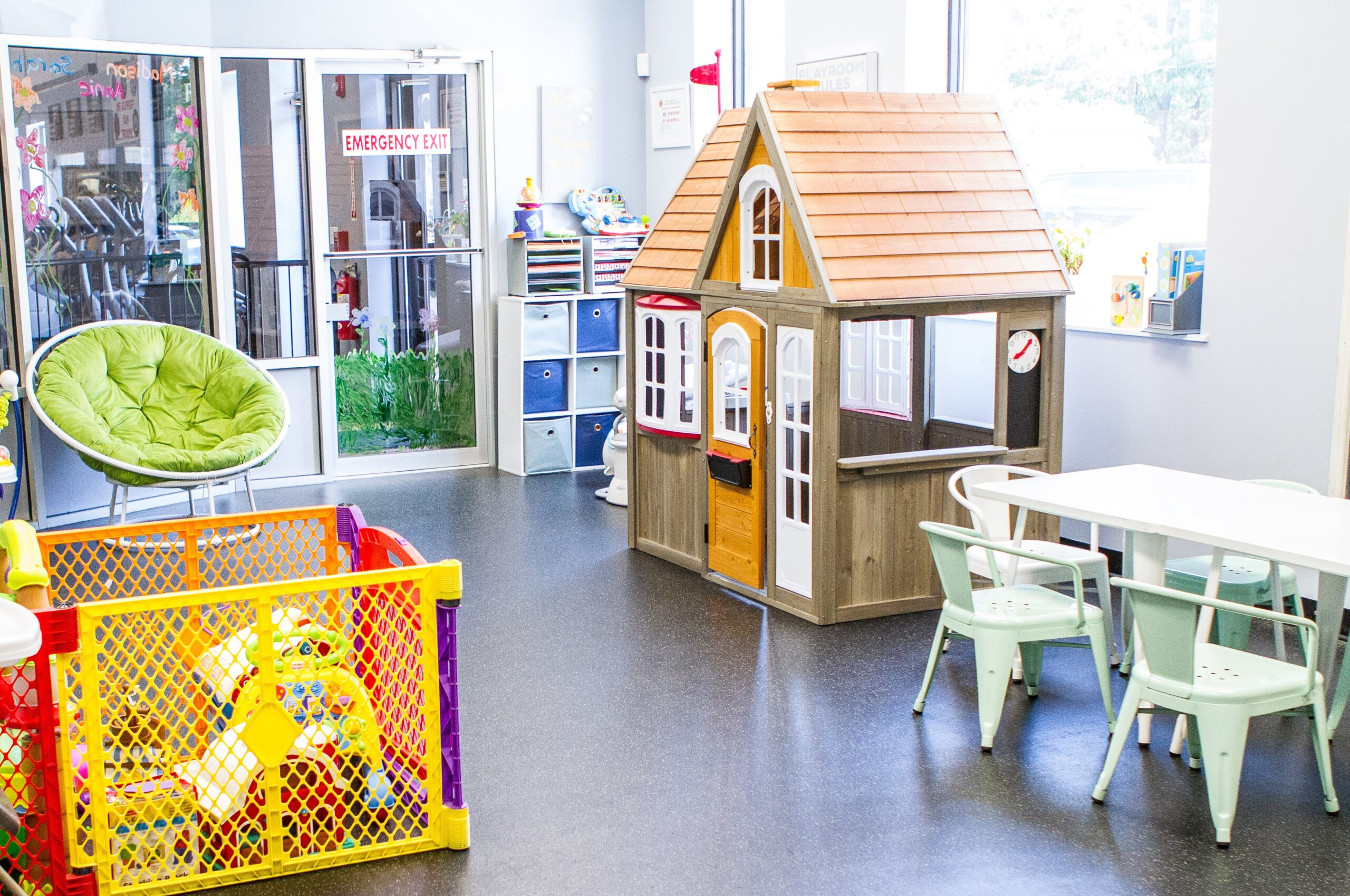 A photo of the arts and crafts day care room